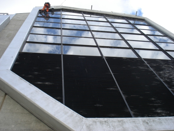 Painting around workshop windows, Clyde power station (c) DAS